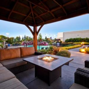 DoubleTree by Hilton Pleasanton at The Club Pleasanton
